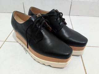 Amanthe black n white shoes