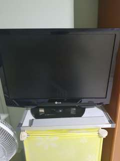 LG 22' tv