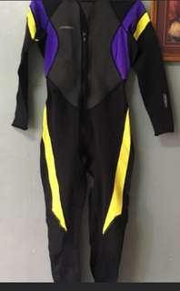 REPRICED =-) Wetsuit fullbody diving suit for petite size ladies or kids
