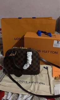 Louis vuitton alma bb authentic