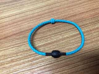 周大福藍色皮手繩