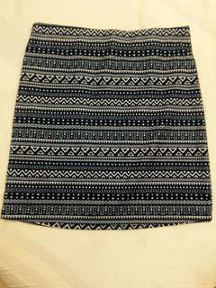 Mini skirt - geometric pattern