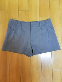 Hm H&m 灰色 短西褲 薄身貼身  顯身材 全新 brand new hm grey shorts smart casual