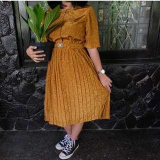 Vintage Dress Ruffles Cokelat