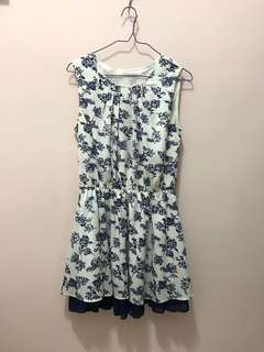 Korea white pattern dress 白色藍花斯文裙