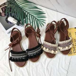 質感推薦❤波西米亞民族風刺繡流蘇毛球交叉綁帶平底涼鞋 羅馬涼鞋