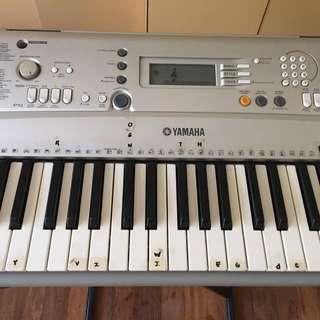 Yamaha YPT- 300 Keyboard