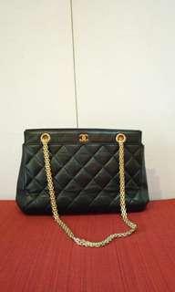 CHANEL 2.55 distressed chain handbag/shoulder