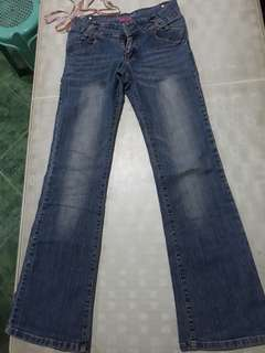 Semi flared pants size 28