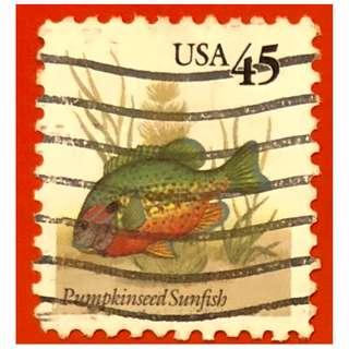 駝背太陽魚紀念郵票。本魚分布於美國南卡羅來納州至加拿大魁北克省間的溪流及湖泊中