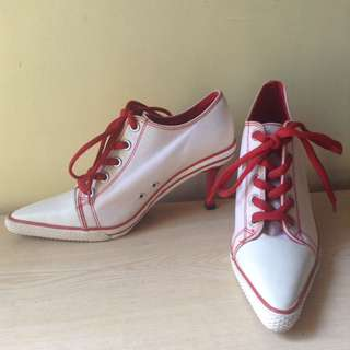 Vintage stiletto heeled sneakers