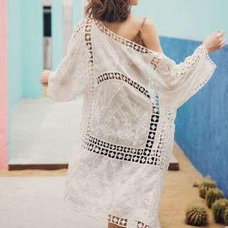 🚚 《預購》中長版-海灘罩衫鏤空雕花白色蕾絲,夏天外搭披肩