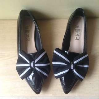 Korean black flat pointed shoes