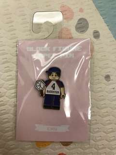 EXO block figure pin - official merchandise