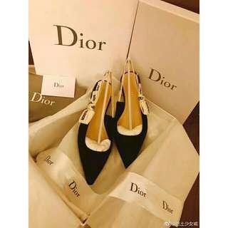 🚚 ★Dior★迪奧一字扣尖頭漆皮中跟細跟涼鞋
