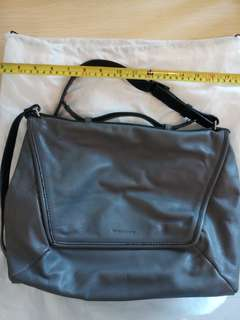 Rabeanco grey bag