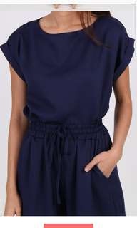 2 Piece Quarter Cropped Suit in Navy Blue