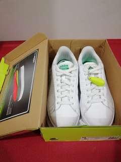 Adidas Neo Cloudfoam Size 8.5