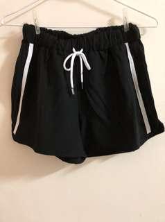🚚 全新黑色休閒短褲