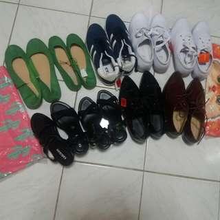 Shoes on saleeeeeee 😊 brand new #sweldosale7