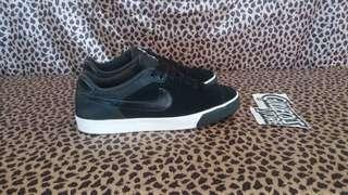 Nike Court Tour Leather Nubuck Sneaker Second Sepatu Bekas