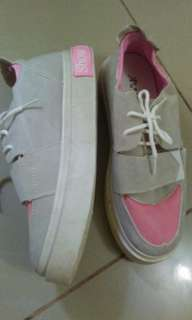 Rubber shoes for women size 37 gray size 39 pink