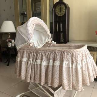 Sweet cherry baby bed