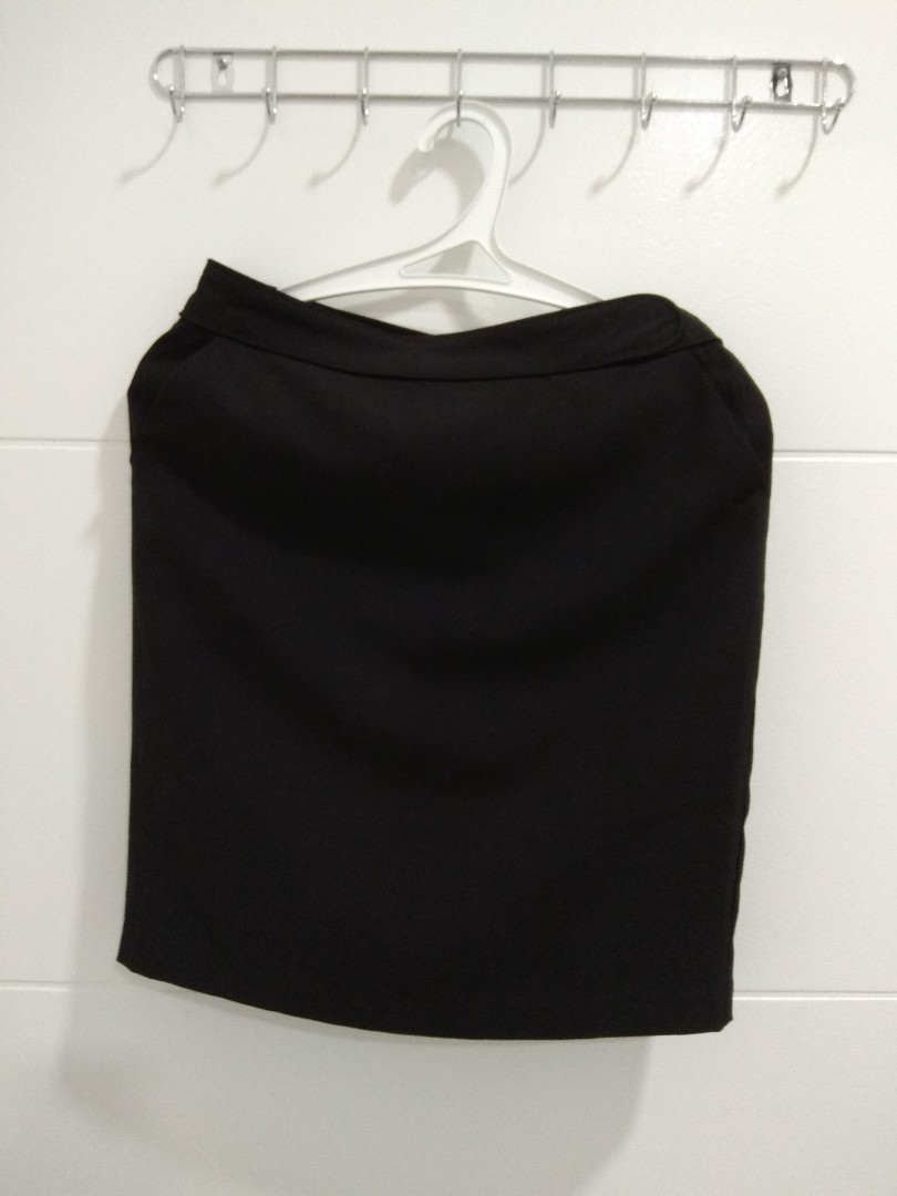 Voir Black Skirt