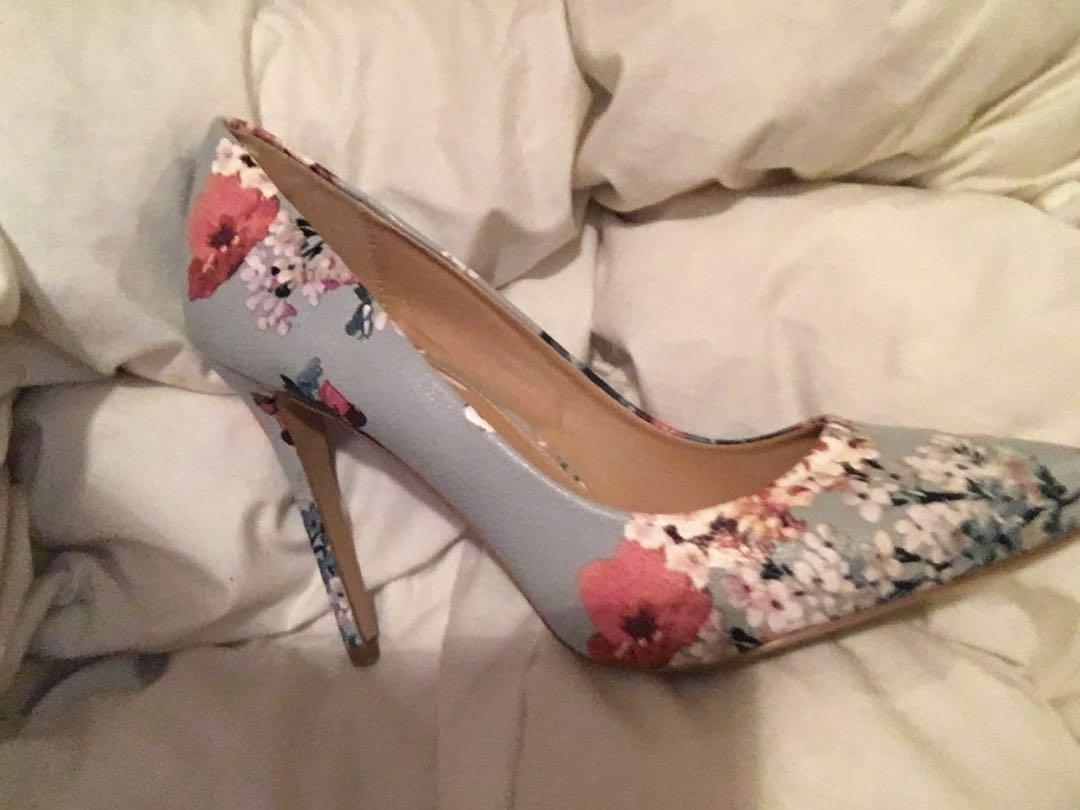 High heels size 9