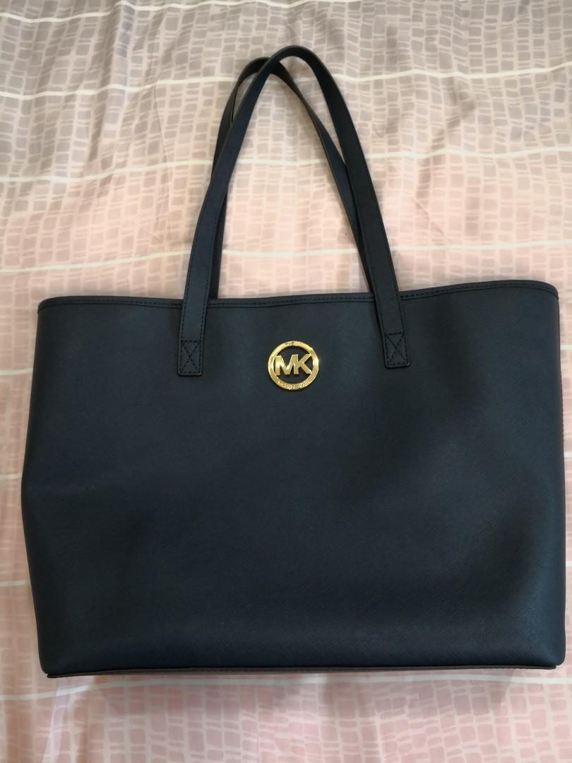 c211782caeac Michael Kors MK Jet Set Travel Medium Travel Tote, Women's Fashion, Bags &  Wallets, Handbags on Carousell