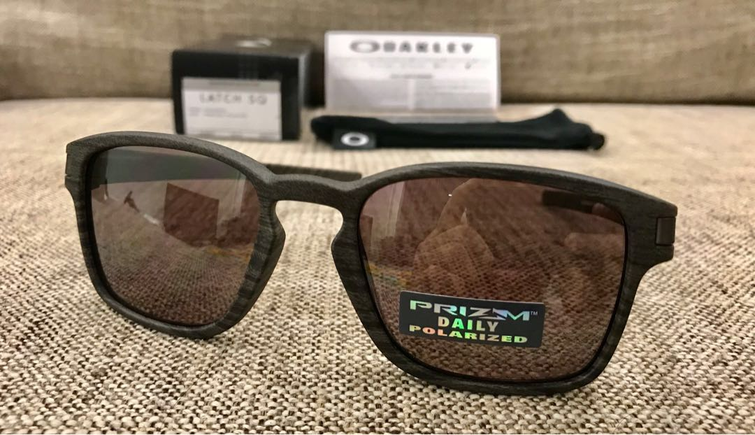 78c01629b1b Oakley™ LATCH SQ (Woodgrain Prizm Daily Polarized)