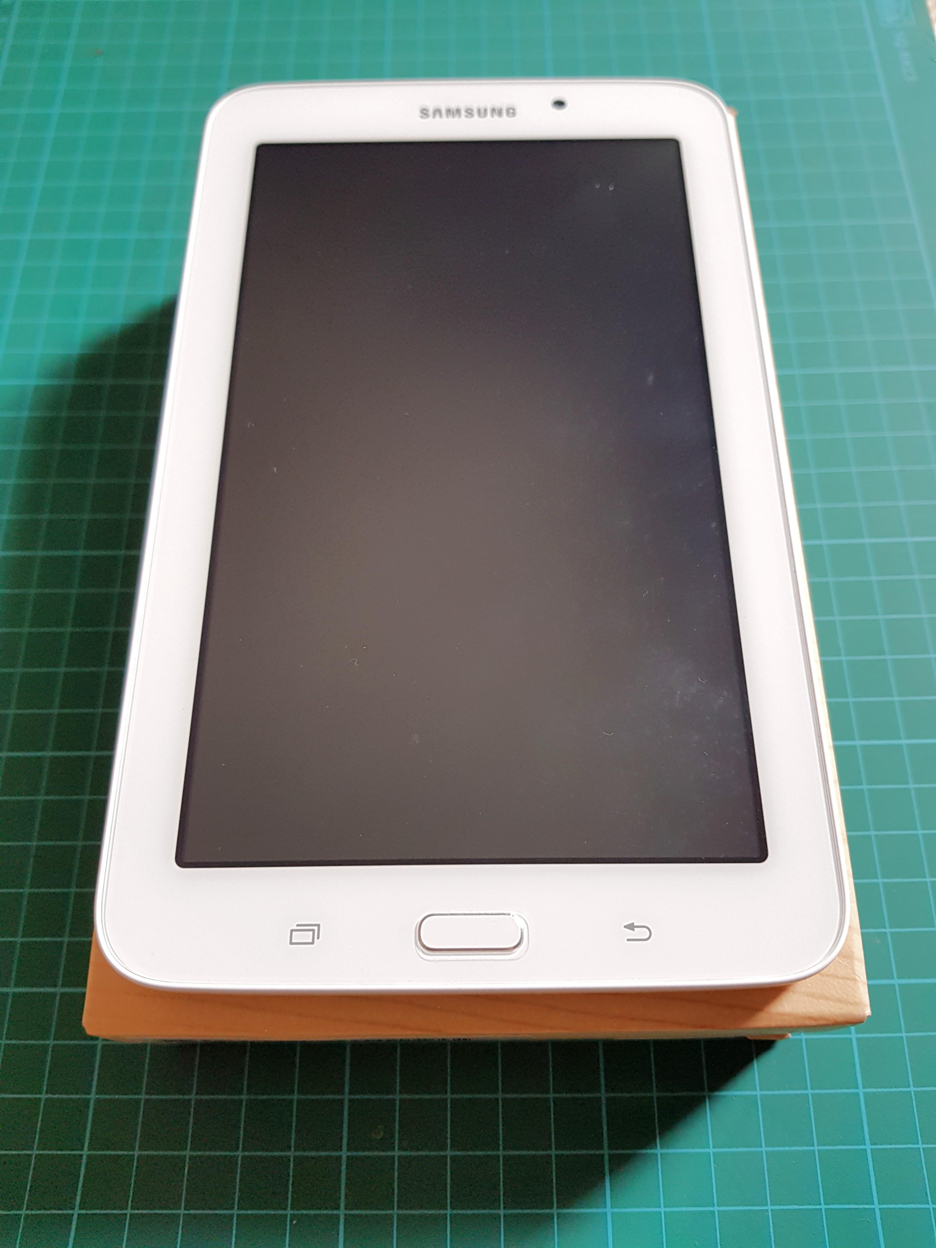 Samsung Galaxy Tab 3v Wifi 8gb Mobiles Tablets On 3 V Photo