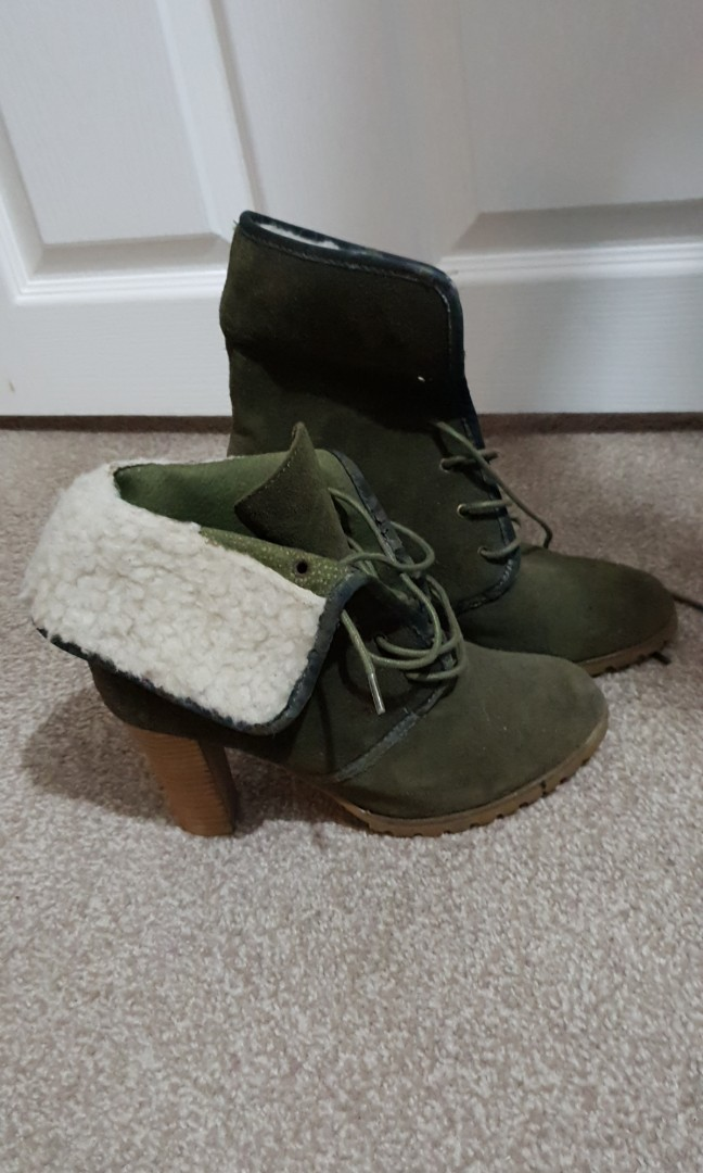Warm boots size 8