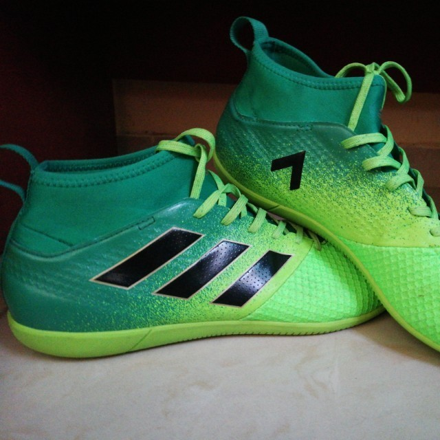 aae12dd55477 WTS/WTT Adidas Ace 17.3 Indoor Football Boots, Sports, Sports Apparel on  Carousell