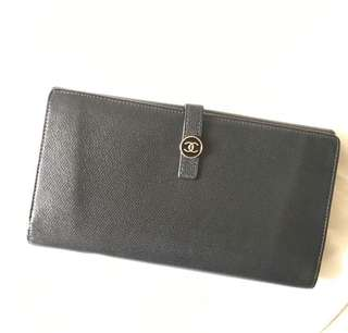 Authentic Vintage Chanel Wallet Calfskin CC Logo