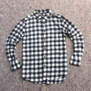 UNIQLO SHIRT NAVY WHITE CHECKED