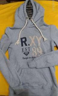 🚚 正品ROXY毛巾布長袖帽T ,8成5新(size 美國XS)(肩寬38,胸寬40,袖長59,衣長57公分)