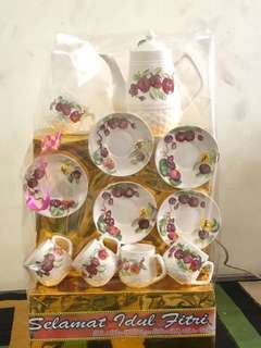 Parcel Lebaran keramik+ Makanan motif timbul