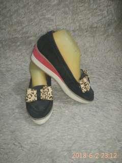Dijual sepatu Merk Mix'Cho