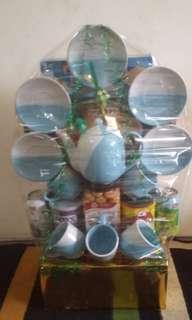 Parcel lebaran makanan+ keramik pelangi