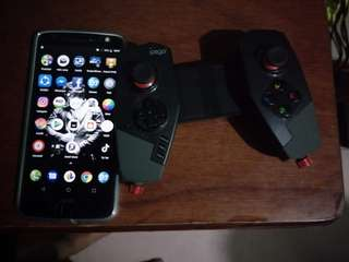MOTO Z WITH GAME PAD