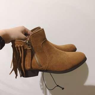 🚚 NET棕色麂皮流蘇中筒馬靴 37 24