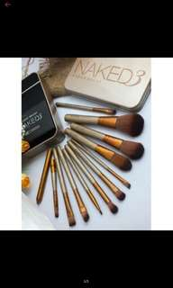 Naked 3 brush