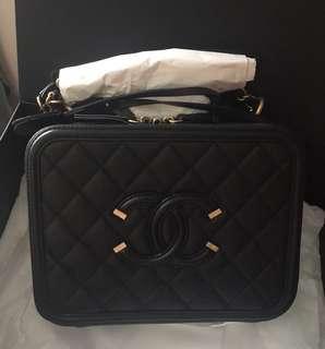 BNIB Chanel Vanity Case medium black ghw #25 complete set with rec feb 2018