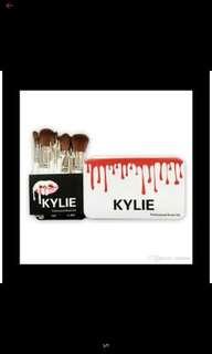 Kylie makeup brush (set)
