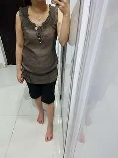 Brown simple top