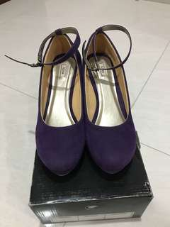 Alive Purple Wedges