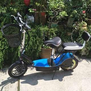 Escooter instock . LTA compliant 20kg