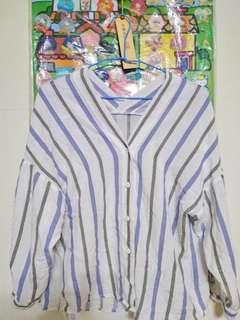 🚚 Queenshop 條紋V領襯衫