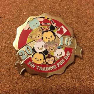 迪士尼 襟章 徽章 Disney pin trading fun day  Disneyland pins